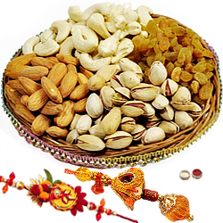 Fashionable Bhaiya Bhabhi Rakhi Along With Mix Dry Fruits
