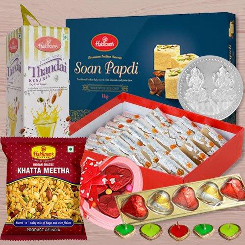 Fascinating Diwali Gift Tray