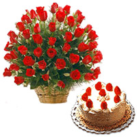 Radiant Roses bunch with mouthwatering Black Forest cake