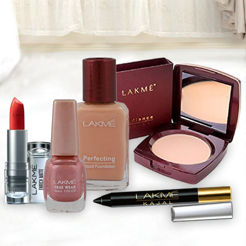 Attractive offer from Lakme containing Compact, Nail Polish, Lipstick, Foundation and  Kajal
