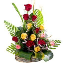 Glorious 15 Mixed Roses in a Beautiful Bouquet