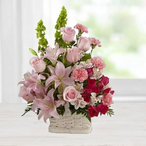 Enchanted Blossoms in a Lustrous Arrangement