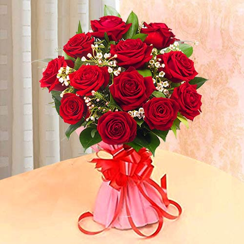 Stunning Composition of Red Roses in Bouquet