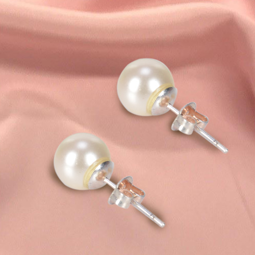 Off White Shaded Eye catching Genuine Pearl Tops Earrings Set