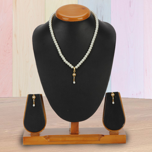 Trendy Earring N Barfi Pendent Set in Fashion Pearls