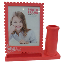 Coupled Up Photo Frame and Pen Stand
