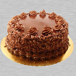 Mouth-watering Eggless Chocolate Cake to Bharat Nagar Colony