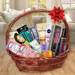 Angelic Cosmetic Hamper for Gorgeous Girls