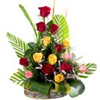 Glorious 15 Mixed Roses in a Beautiful Bouquet to Golconda