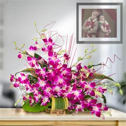 Divine 10 Fresh Orchids in a Beautiful Bouquet to Malkajgiri