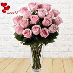 12 Pink Roses in Vase