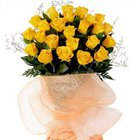 Charming Best and Perfect Yellow Roses Bouquet