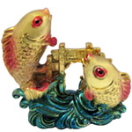 Arresting Gold Plated Twin Fish Set