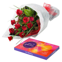 Deliver Cluster of Roses and Chocolates Online