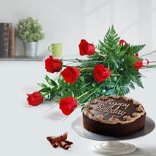 Gift Online Red Rose Bouquet and Chocolate Cake