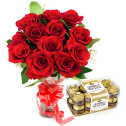 Online Combo Gift of Red Rose Bouquet N Ferrero Rocher Chocolates