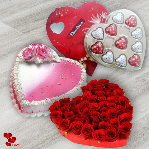 Online Combo of Heart Shape Red Rosse with Choholates N Love Cake