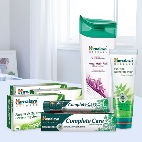 Enchanting Selection of Himalaya Everyday Essential Kit