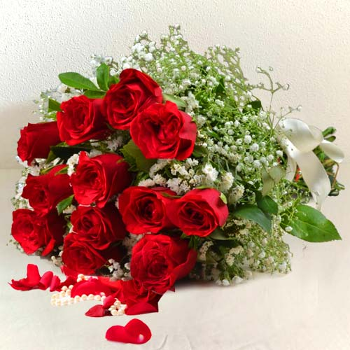 Deliver Bouquet of Red Roses Online