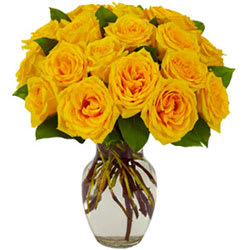 Order Yellow Roses in a Glass Vase Online