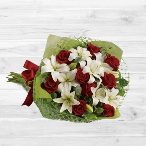 Buy Red Roses N White Lilies Bouquet Online