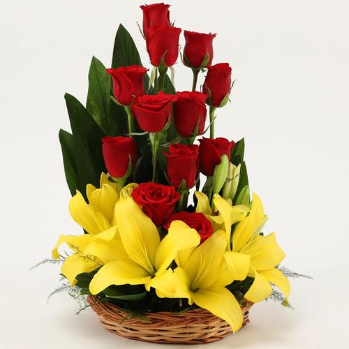 Shop Online Roses N Lilies Basket