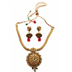 Designer Wedding Special Golden Necklace Set